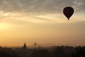 hot-air-balloon-ride-1029303